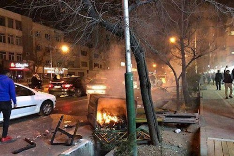 Demonstrations, Clashes Continue in Different Part of Tehran as Nationwide Uprising Continues for Third Day Running