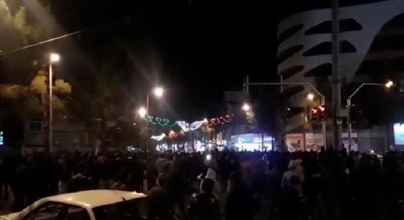 Iran Uprising Spreads to 75 Cities, Robat Karim City Hall Falls, Khorramabad TV Station Attacked